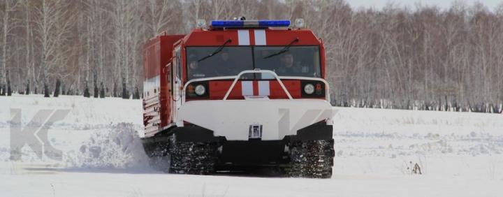 Машина связи и освещения на базе гусеничного вездехода ТМ-140