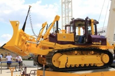С мая 2017 года стартовала программа льготного субсидирования лизинга строительно-дорожной и коммунальной техники, по которой в августе прошла первая поставка техники ЧЕТРА.