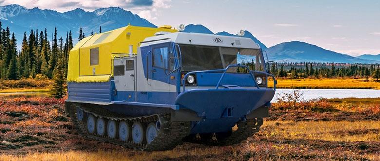 Гусеничная транспортная машина ТМ-140 с модулем-мастерской