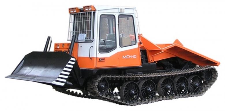 Трактор трелевочный МСН-10-07 оборудован бульдозерным отвалом ОБГН-4
