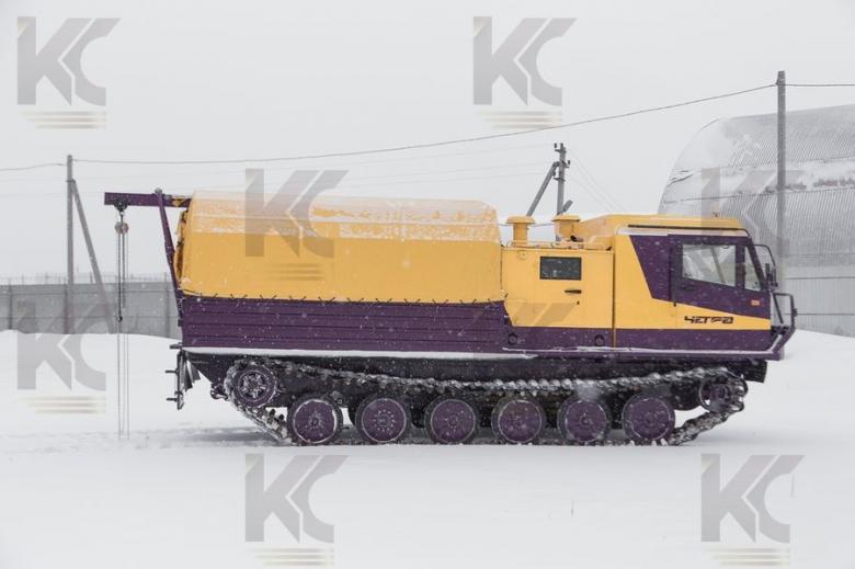 Гусеничная транспортная машина ЧЕТРА ТМ-140 с механизмом самозагрузки